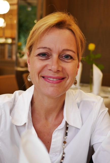 Praxismanagerin, Frauenarztpraxis an der Oper